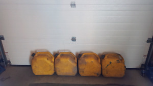 4 deisel cans and 3 gas cans
