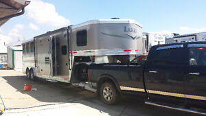 2014 Lakota 3 horse live in trailer