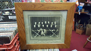 1933 - 1934 HARROWSMITH RED WINGS HOCKEY TEAM FRAMED PHOTO