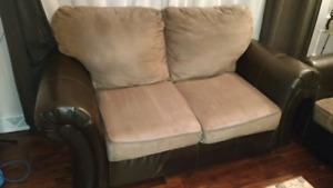 2 divans cuire et Suède brun et beige