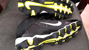 Boys cleats