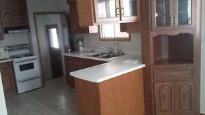 House for rent - 3 bedroom bungalow for rent available Kitchener / Waterloo Kitchener Area image 3