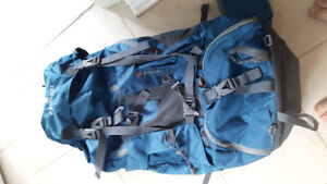 Beau sac-à-dos de voyage