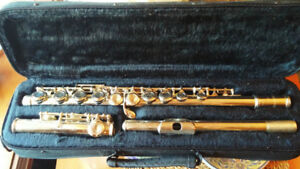 Academy Silver Flute in case (great student instrument)