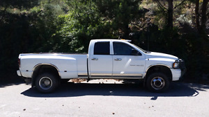 Reduced price! 2005 dodge ram 3500 laramie