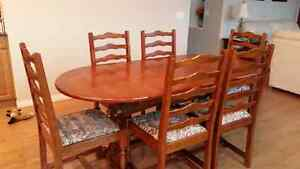 Oak extendable table and chairs