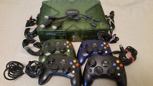 Original Crystal Green Xbox, 4 Controllers, 3 games