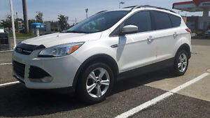 2013 Ford Escape SE (cuir, toit panoramique, navigation)