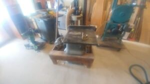 rare Beaver table saw in mint shape