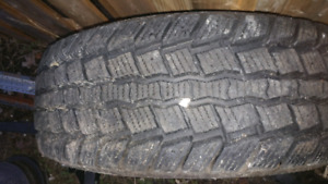 Winter claw 265/70r17 just one like new