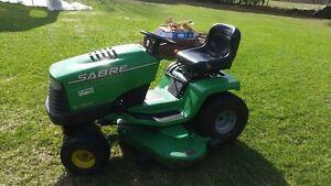 Tracteur à pelouse Sabre John Deere lawn tractor