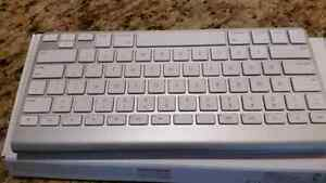 Apple blue tooth keyboard