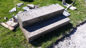 Concrete steps in good condition