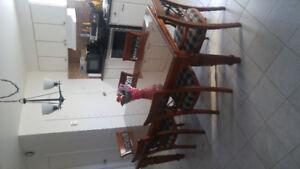 Table de cuisine , buffet , petite table bois