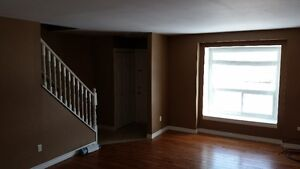 Great 3 level unit for Rent! Quality, newly renovated and 5 app