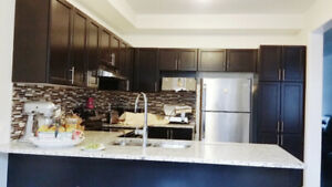 Recently Built 4 Bedrooms Home Markham / 16th DETACHED
