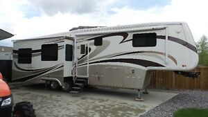 2009 DRV Mobile Suites 38RLSV3  mint Condition