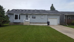 HOUSE FOR SALE IN RAYMOND