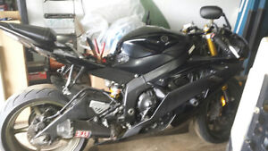 2008 YAMAHA R6 SELLING FOR PARTS SOME DAMAGE ONLY 51KM