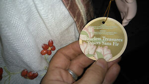 Timeless treasures limited edition porcelain doll with stand Kitchener / Waterloo Kitchener Area image 4