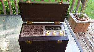 Vintage Airline tube-type radio in case - works great!