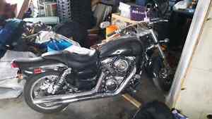 *** PRICE LOWERED *** Suzuki Boulevard M95 * SUPER LOW KM'S *