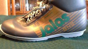 Jalas size 44 (women's 10/11)