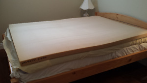Clean Double size latex bed foam