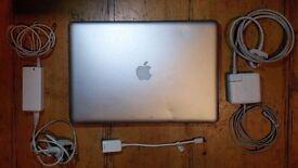 15 Inch MacBook Pro with *new* 256 GB SSD Drive (Samsung 750 Evo) + 2 power adaptors + HDMI adaptor