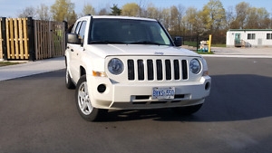 2008 jeep patriot white