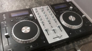 DJ Equipment used Numark MixDeck Express Turntables