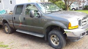 2002 Ford F-250 Super-Duty V10 LARIAT Pickup Truck