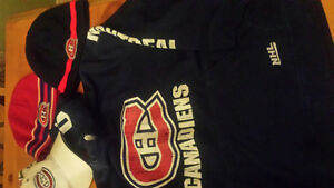 Montreal Canadiens lot sweater & hats