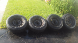 4X SUV Snow tires on Rims -Tires in Excellent Shape