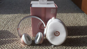 Beats solo2 wireless headphones-special edition rose gold