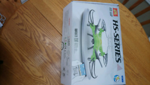 Holy Stone HS 110 video quadcopter drone