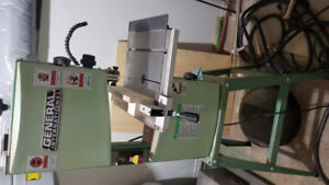 General International Wood Band Saw with Stand, 10-in