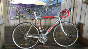 Cannondale CAAD4 R400 beauty at Lumpy Bikes