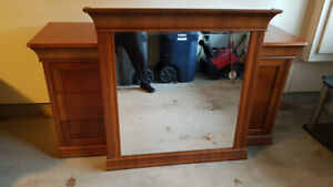 Beautiful Dresser with Matching Mirror in Mint Condition