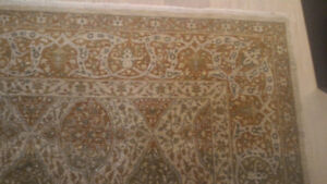 hand knotted RUG - 9 FT X 12 FT -  TABRIZ STYLE - LIKE NEW