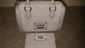 BRAND NEW Guess purse/matching wallet!