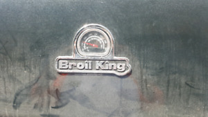 Broil king regal bbq with cover