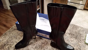 Size 7 black  leather boot