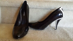 LE CHÂTEAU Black heels Size 8.5 London Ontario image 1