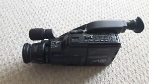 Sony CCD-F55 Video Camera with ++++ Accessories
