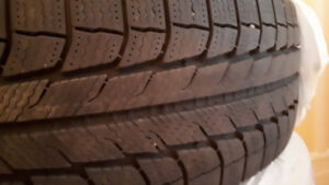 4 pneus d'hiver (winter tires) Michelin X-Ice 215 70 r16