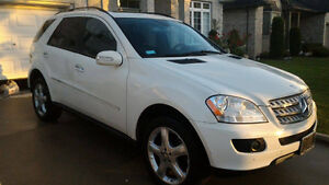 2008 Mercedes-Benz M-Class ML350 SUV, Crossover