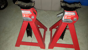 SET OF AXLE STANDS