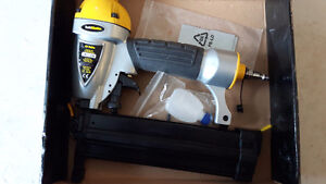 Like new 2 in 1 trademaster air nailer Cambridge Kitchener Area image 2