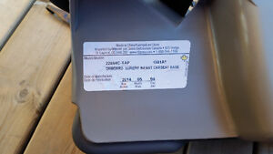Onboard 35 Infant Car Seat and base Cambridge Kitchener Area image 4